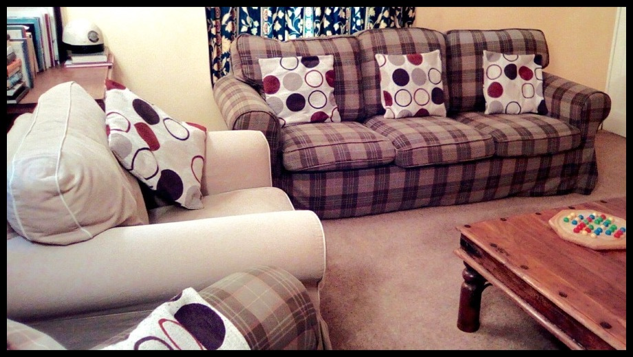 bed & breakfast lounge sofas